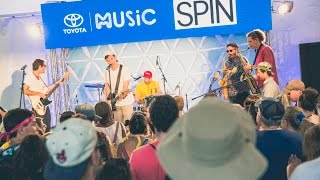 """SPIN Sessions: Houndmouth — """"Sedona"""" (Live at Lollapalooza 2016)"""