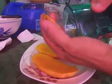 La Forma Más Práctica De Pelar Un Mango