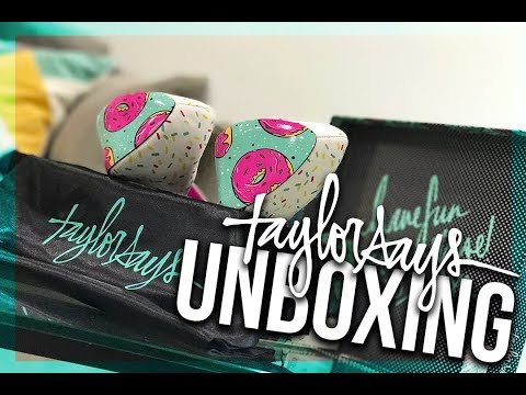 High Heel Unboxing | Taylor Says Glazed Platform Heels