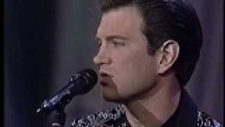 "Chris Isaak sings ""Solitary Man"""