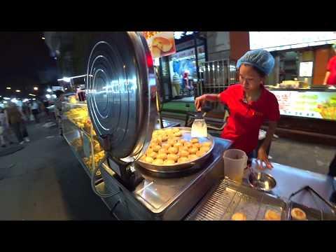 Уличная Еда на ночном рынке в Китае Стреет Фоод