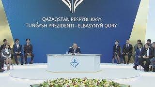 Н.Назарбаев вручил сертификат на 2 млн тенге студенту из Алматы