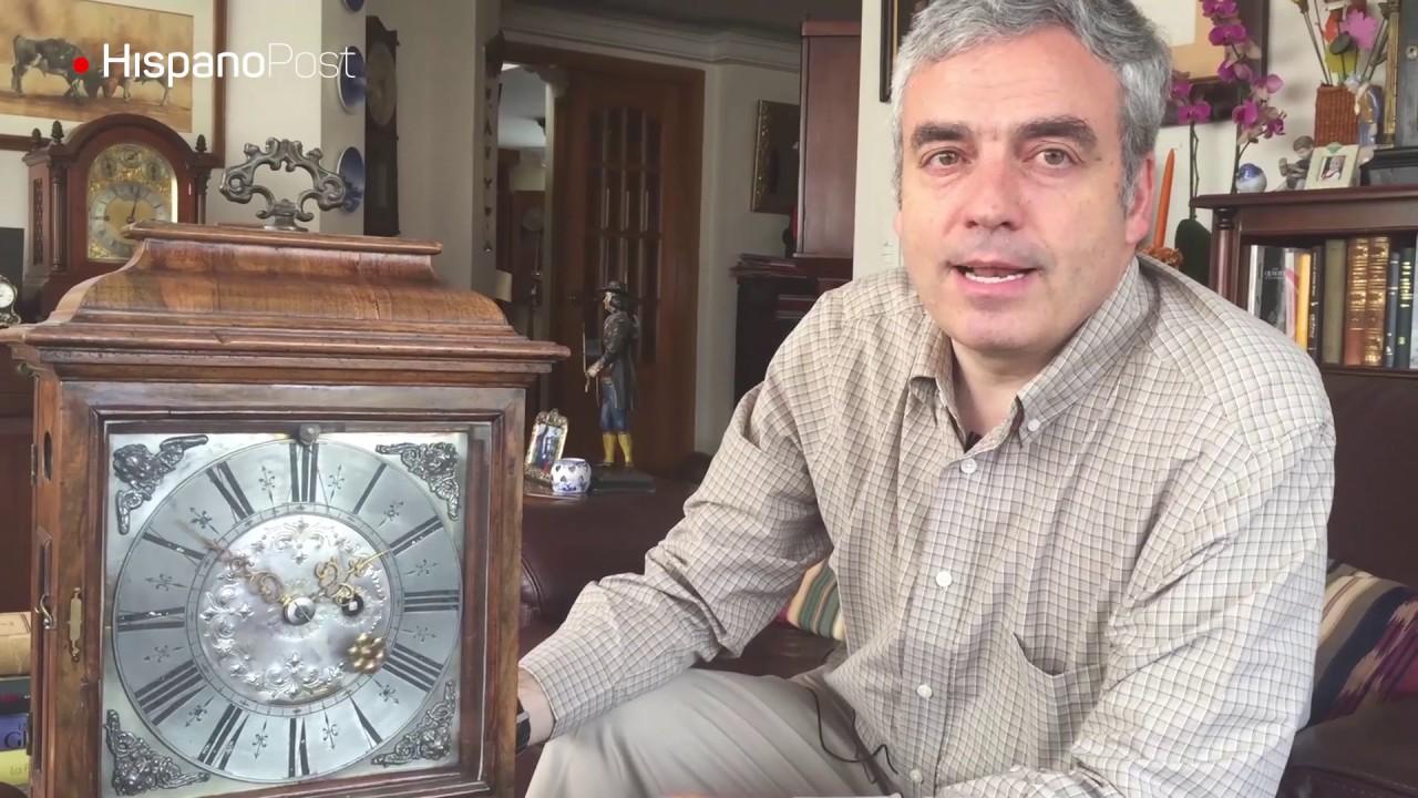 El hombre que les da cuerda todos los sábados a sus más de 100 relojes