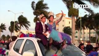 preview picture of video 'Paseo de las Flores Carnaval Campeche 2014'