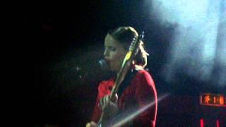 Anna Calvi - Morning Light (Hard Club)