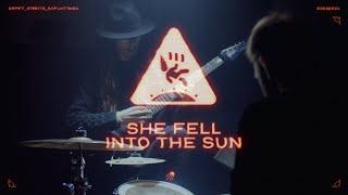 Video GRAPEFRUIT ASTRONAUTS /// SHE FELL INTO THE SUN