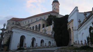 preview picture of video 'Mikulov, Czechy, zamek, zabytki, Czech Republic, niem. Nikolsburg, jidysz ניקאלשבורג'