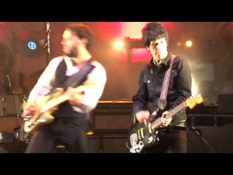 The Last Shadow Puppets - Totally Wired (The Fall Cover) live @ Castlefield Bowl Manchester