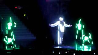 Chris Brown Beautiful People LIVE HD (steady camera)