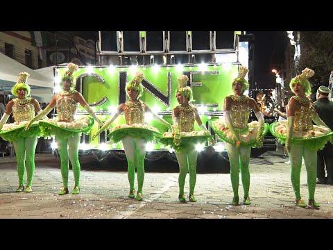 Veja como foi o desfile da escola de samba do Grupo Especial Vilage no Samba
