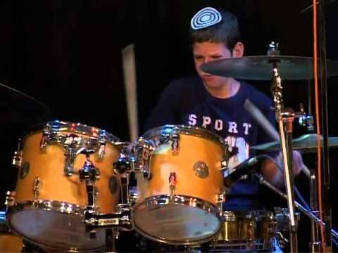 קטע מתוך קונצרט Drummer  2010 – אורי