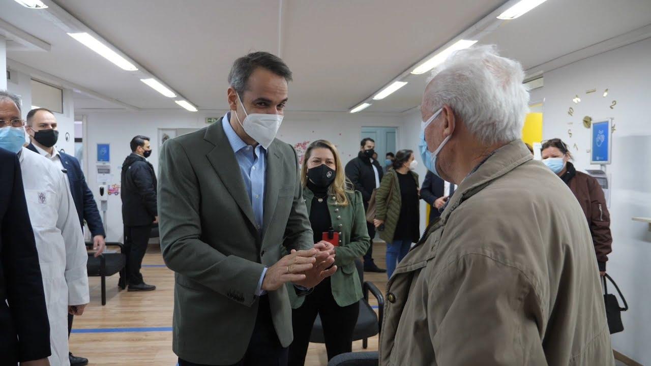 Στη διαδικασία εμβολιασμού της ομάδας ασθενών με νοσήματα πολύ υψηλού κινδύνου ο Πρωθυπουργός