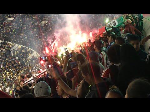 """""""LA IRREVERENTE, INSURGENCIA, REJA & LEGIÓN - AMÉRICA VS CHIVAS - ESTADIO AZTECA"""" Barra: Barra Insurgencia • Club: Chivas Guadalajara"""