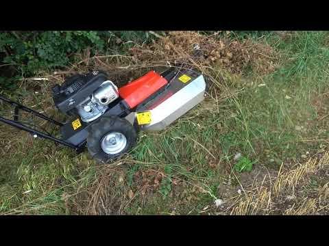 Greenbase Getrüppmäher Cut F550 Hurricane Hochgrasmäher im Einsatz bei hohem Gras und Gestrüpp