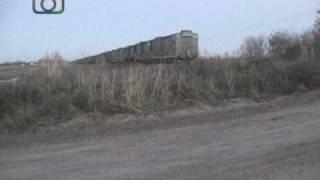 preview picture of video 'Tren granero de NCA en cercanías de Pasco'