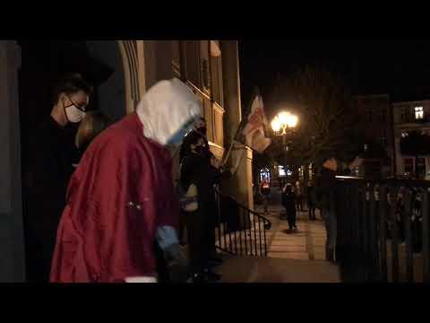 Wideo1: Czwarty dzień Strajku Kobiet w Lesznie (27.10.2020)