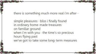 Basia - Simple Pleasures Lyrics