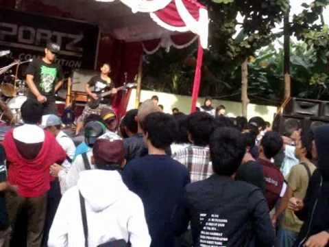 Gengis Dark Treasure live @ SMK 45 Jakarta.wmv