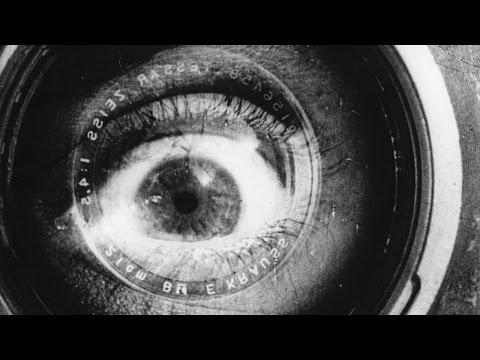 Chelovek s kino-apparatom ( Человек с киноаппаратом )