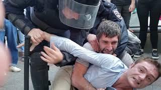 Зверские задержания на Чистых прудах. 3 августа. Москва