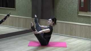 Смотреть онлайн Как расслабить мышцы спины с помощью пилатеса