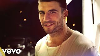 Sam Hunt - Leave The Night On video