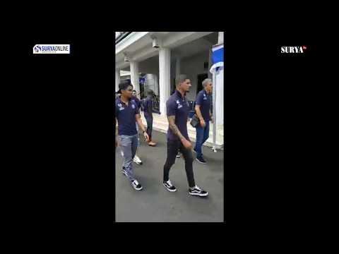 SUASANA KEDATANGAN PEMAIN AREMA FC DI BALAI KOTA MALANG