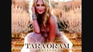 Tara Oram - Kiss Me When I Fall  - Studio Version - Official Music Video - New Song 2011 + Lyrics