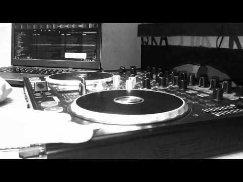 DJ Frebite - DJ Frebite - Little Droid_(reloop_terminal_mix2)_[Electro Music]