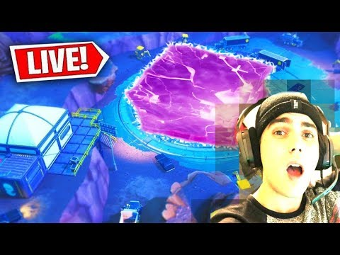*OMG* LOOT LAKE EVENT HAPPENING RIGHT NOW! (Fortnite Season 8 Live Event) Cube EVENT!