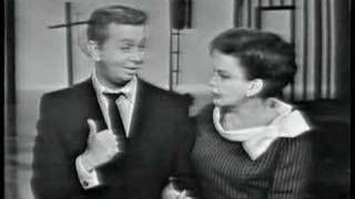 Judy Garland & Mel Torme - The Trolley Song