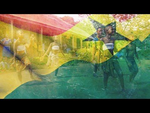 العرب اليوم - شاهد: معلومات عن المُعلِّم الراقص في غانا وهدفه نشر فكرته في العالم