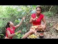 Survival skills: Finding meet natural fruit for eat in jungle - Natural fruit eating delicious #75