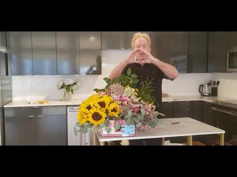 Free Online Floral Design Classes w/ Michaels Flower Garden