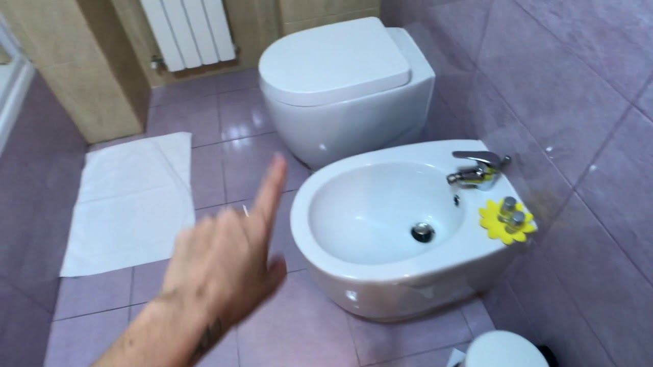 Double bed in Spacious room for rent in 2-bedroom apartment in Pietralata
