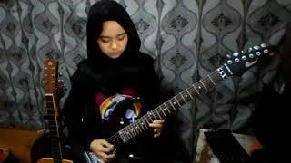 Cewek Cantik Hijab Pinter Main Gitar