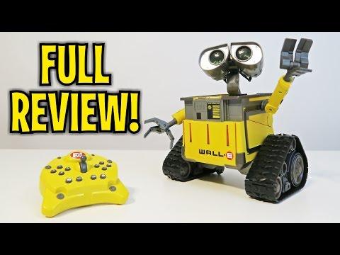 Let's Play – Disney Pixar's Wall-E U-Command Remote Control Robot like Cozmo!
