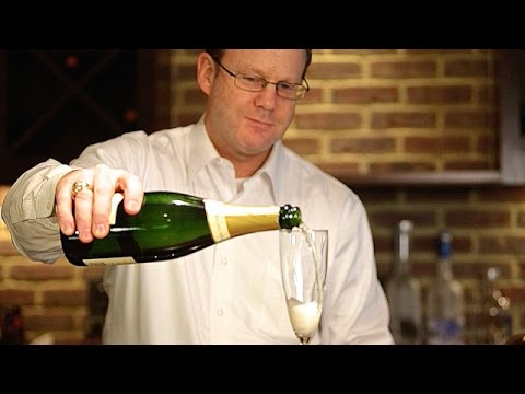 The Difference Between Sparkling Wine and Champagne