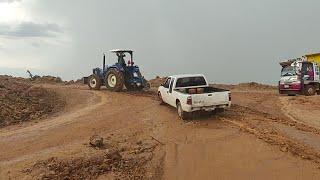 หน้างาน700,000คิวฝนตกอีกแล้ว จะเข้าจะออกใช้ได้แค่รถไถเท่านั้น