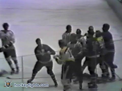 Tim Horton vs. Wayne Cashman