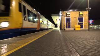 preview picture of video 'London Overground 378214 passing Finsbury Park'