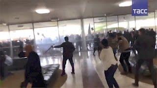 В Бразилии полиция применила светошумовые гранаты против протестующих у парламента