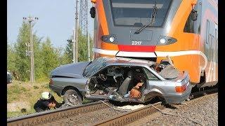ДТП ТРАМВАИ И ПОЕЗДА СНЯТЫЕ НА ВИДЕОРЕГИСТРАТОР  Car Crash Channel №38