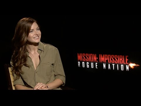 """Mission: Impossible 5: Simon Pegg and Rebecca Ferguson Play """"Would You Rather"""""""