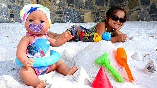 Игры для девочек. БебиБон Эмили и Маша на пляже