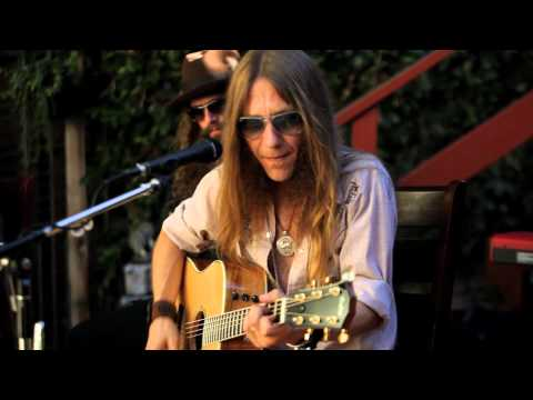 Blackberry Smoke - Six Ways To Sunday (Live in North ...