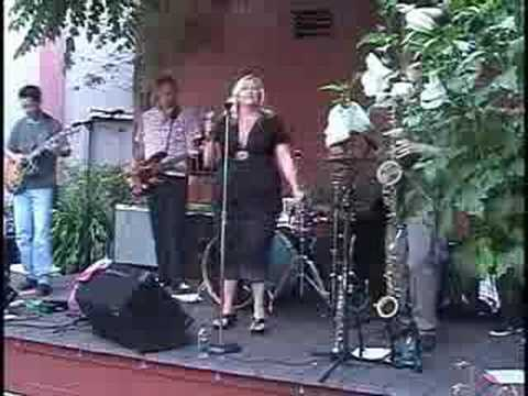 Nuclear Blonde Live @ Headfeathers Courtyard in Napa