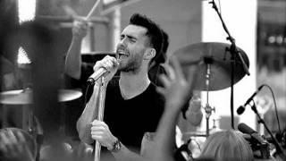 Maroon 5 - Happy Christmas (War Is Over)