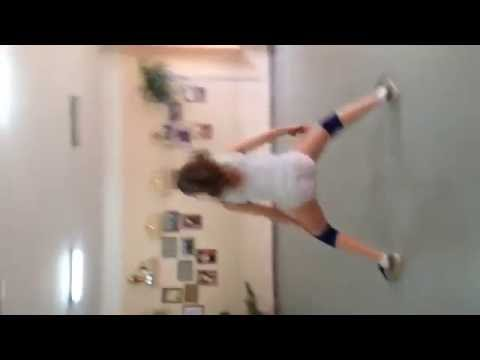 Девушка классно танцует тверк! (Twerk)