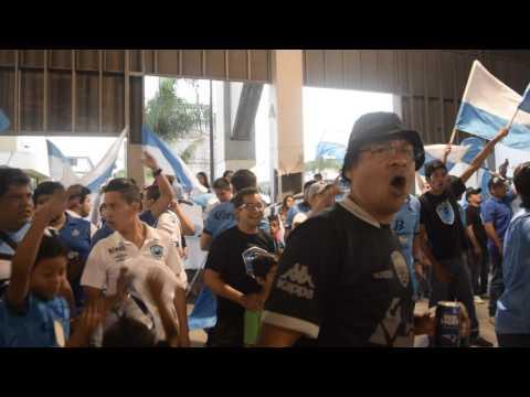 """""""H.Terrorizer cantando """"Muchachos..."""" en Plaza Isauro Alfaro"""" Barra: La Terrorizer • Club: Tampico Madero • País: México"""